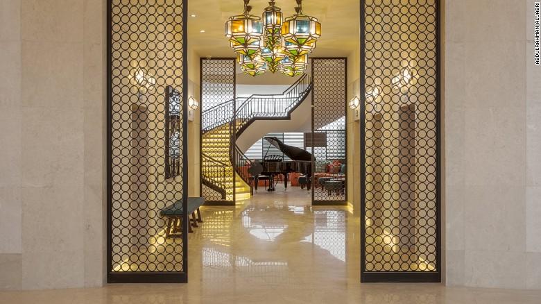 El Hotel Assila está localizado en el corazón del distrito comercial de Jeddah (Arabia Saudí) y a solo 40 minutos en carro de La Meca.
