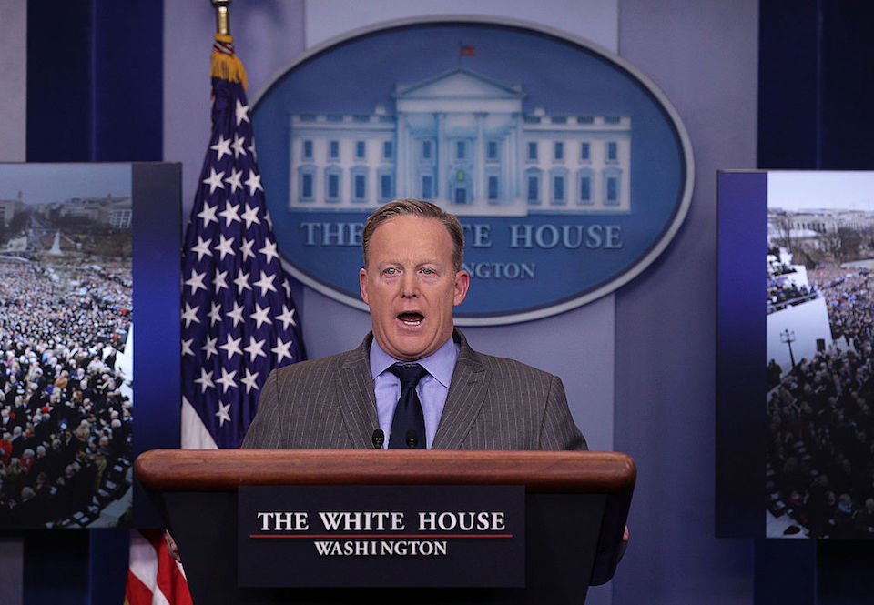 El secretario de prensa de la Casa Blanca Sean Spicer dio una conferencia en la que no aceptó preguntas. (Photo by Alex Wong/Getty Images)