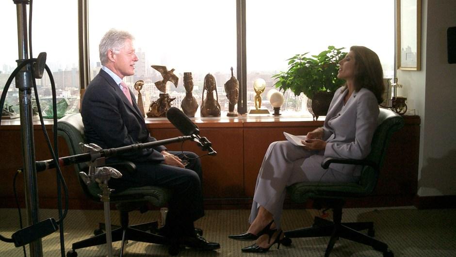 Patricia Janiot entrevistando al presidente de Estados Unidos Bill Clinton.