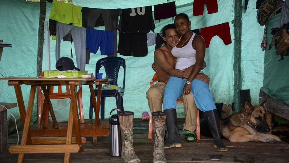 """are depicted a few days before their demobilization at the Front 24 Alberto Martinez encampment in the Vegaez municipality, Antioquia department, Colombia on December 31, 2016. Colombia's Congress on Wednesday passed a law granting amnesty to Marxist FARC rebels as part of the country's peace deal, a development the government hailed as """"historic."""" / AFP / STR / RAUL ARBOLEDA (Photo credit should read RAUL ARBOLEDA/AFP/Getty Images)"""