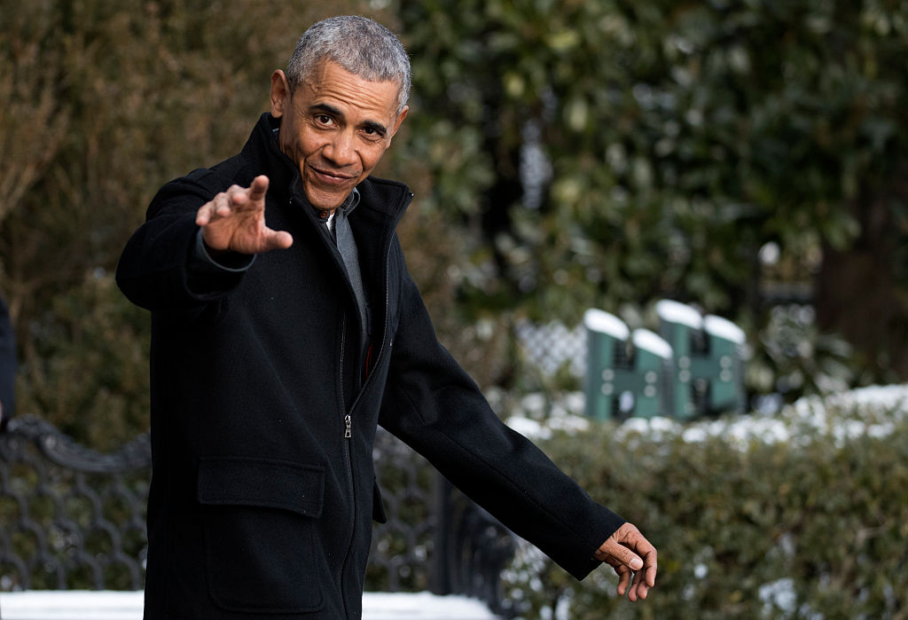 WASHINGTON, DC - JANUARY 07: President Barack Obama walks to Marine One on the South Lawn of the White House on January 7, 2017 in Washington, DC. President Obama Will be attending a wedding in Florida. (Photo by Shawn Thew - Pool/Getty Images)