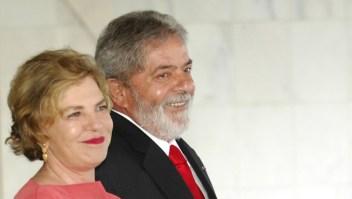 BRAZIL - NOVEMBER 28: The First Lady Mariza Leticia Lula da Silva and the President of Brazil Luis Inacio Lula da Silva visit the Palace of Itamaraty on November 28, 2007 in Rio De Janeiro, Brazil. (Photo by Fernanda Calfat/Getty Images)