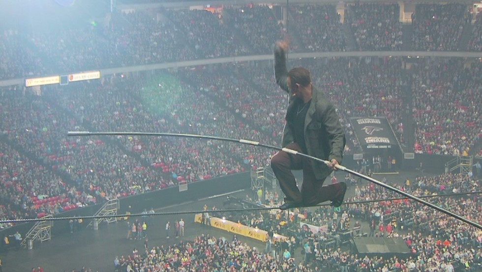 140209085333-pkg-nik-wallenda-ga-dome-walk-00012208-horizontal-large-gallery