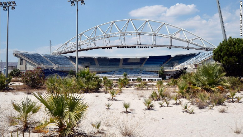 El estadio usado para los juegos de voleibol en los Juegos Olímpicos de Atenas está actualmente abandonado.
