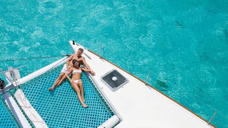 El hotel boutique Zoëtry Paraíso de la Bonita Riviera Maya está rodeado de naturaleza y tiene cabañas muy acogedoras con su propia playa. Está ubicado a solo 30 kilómetros de Cancún, lo suficientemente lejos para huir del ruido de la ciudad de los megahoteles y la fiesta, pero lo suficientemente cerca para disfrutar de todas sus atracciones.