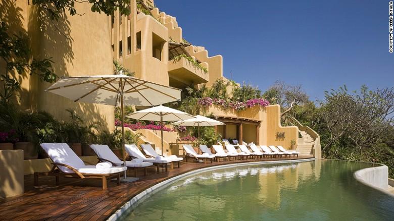 El Hotel Capella Ixtapa está ubicado sobre un acantilado con vista al océano Pacífico.