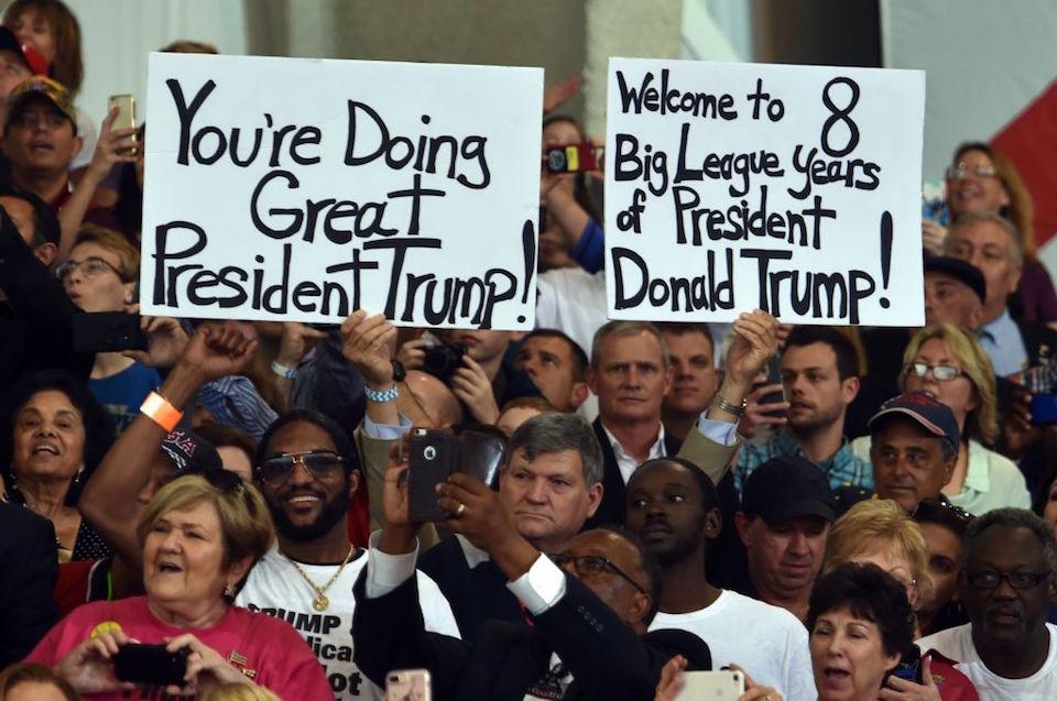 Simpatizantes de Trump en Melbourne, Florida. (NICHOLAS KAMM/AFP/Getty Images)