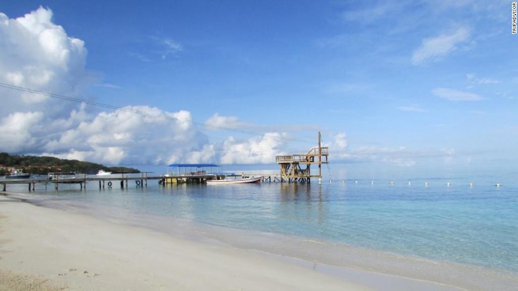 Honduras es un país muy pequeño, ubicado en Centroamérica, pero tiene algunas de las playas más bellas del mundo, según las grandes guías de viajes.