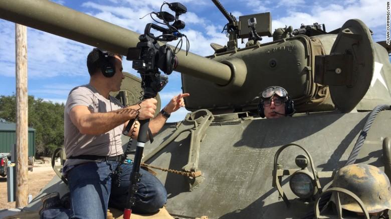 El tanque Sherman tiene un arma .76 mm.