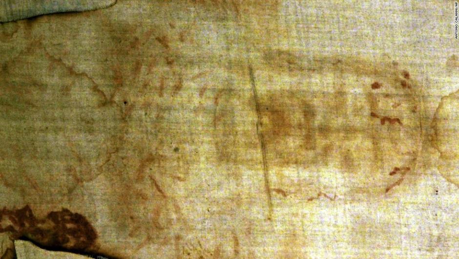 Grandes misterios en la Historia – El Sudario de Turín podría ser la reliquia religiosa más famosa. Algunos cristianos creen que el sudario, que parece tener impreso el cuerpo de un hombre, es la sábana con la que enterraron a Jesucristo. Su verdadera identidad nunca ha sido probada.