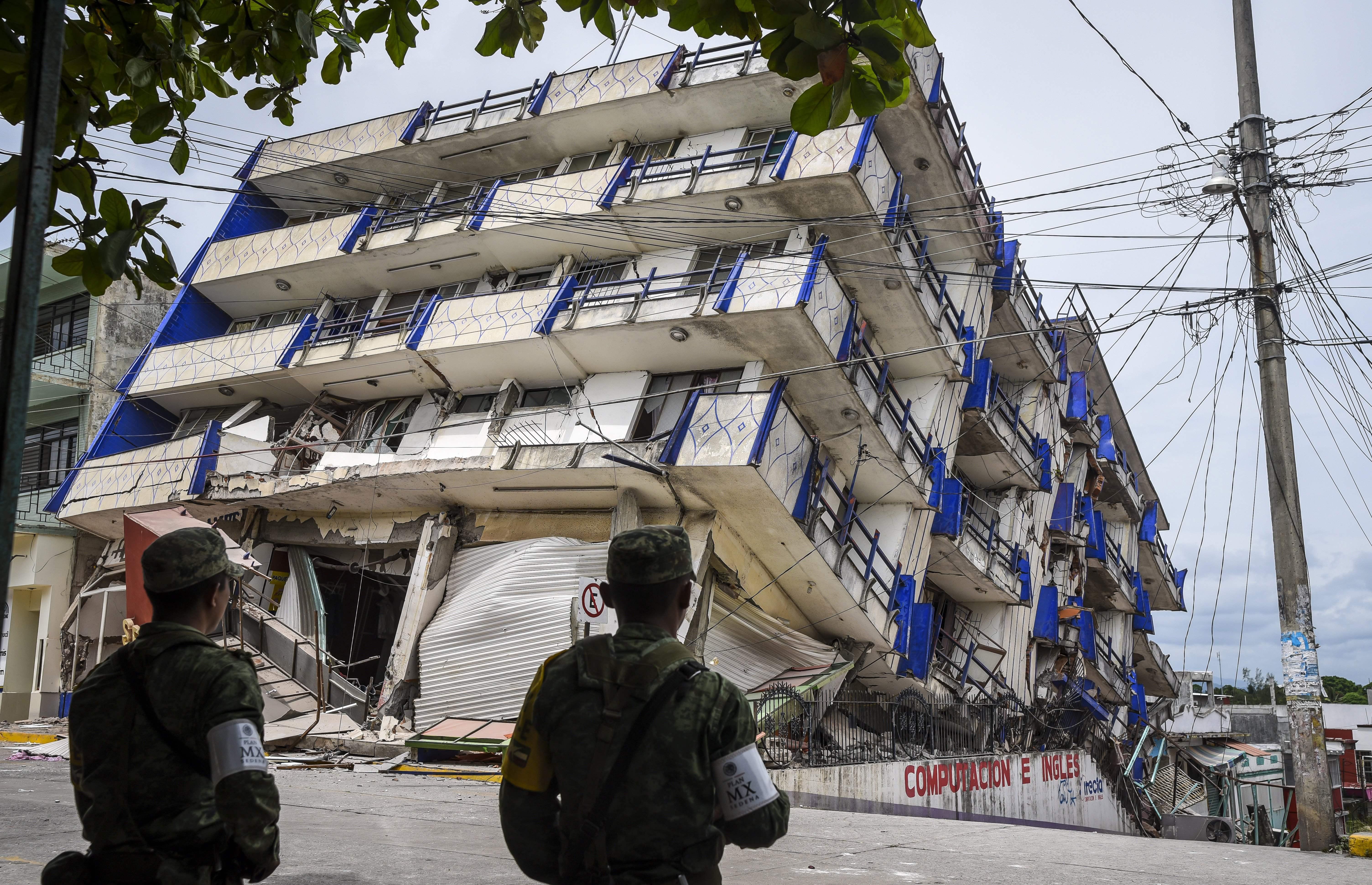 El Terremoto Mas Fuerte En 100 Anos En Mexico Deja Decenas De Muertos Cnn