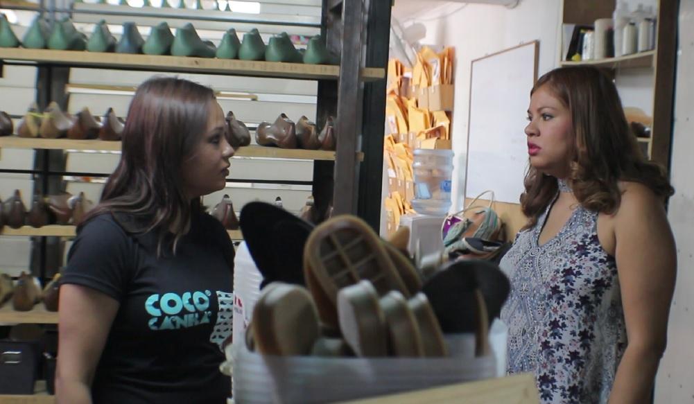 Las hemanas Patiño abrieron la tienda de zapatos hace cinco años con el apoyo financiero de su padre.