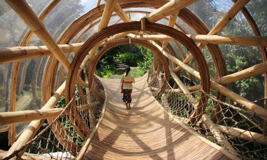 """""""Esto es el futuro. Es pura arquitectura… respirar aire limpio y tocar la naturaleza, eso lo es todo"""", dice el arquitecto Defit Wijiya. Foto: Dean Irvine/CNN"""