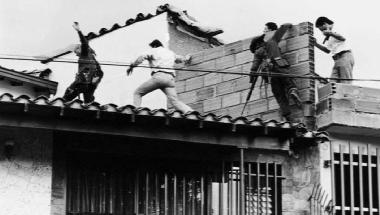 De Héroe A Villano Detienen Al Policía Que Mató A Pablo Escobar Por Lavado De Activos Vinculados A Paramilitares Cnn