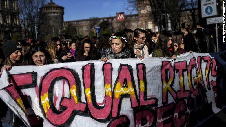 Manifestación feminista en Milán, Italia (Crédito: MARCO BERTORELLO/AFP/Getty Images)