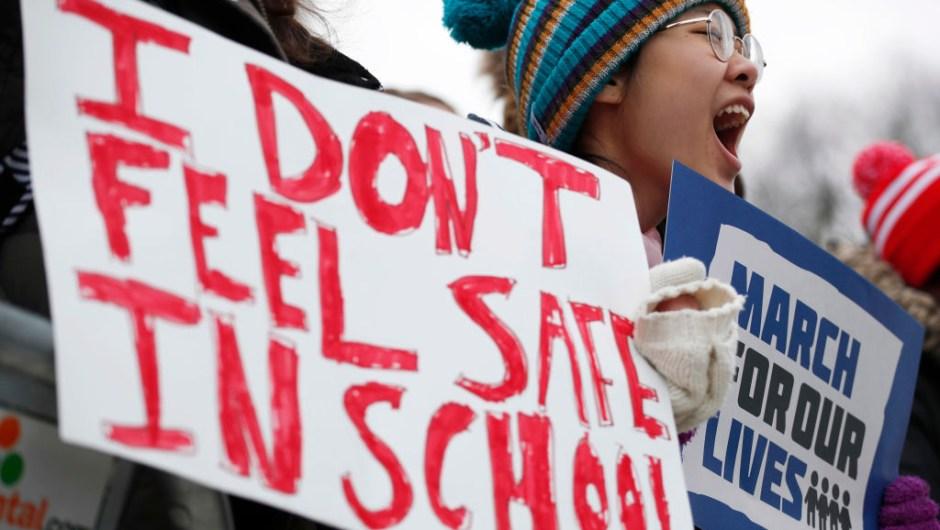 """""""NO ME SIENTO SEGURA EN MI ESCUELA"""". El grito de las estudiantes en la Marcha por Nuestras Vidas en Chicago. (Crédito: Jim Young/Getty Images)"""