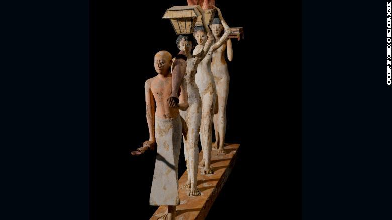"""Lo más conocido de los modelos encontrados en la tumba son esta """"procesión Bersha"""" de un sacerdote varón con ofrendas de mujeres."""