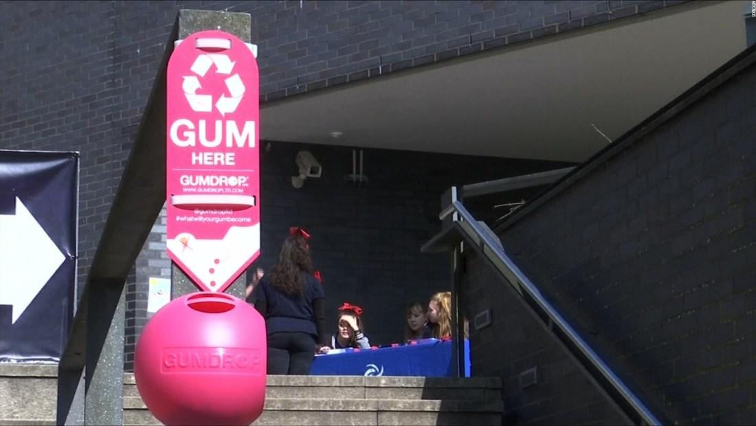 Gran Bretaña recicla goma de mascar que ya fue consumida y desechada