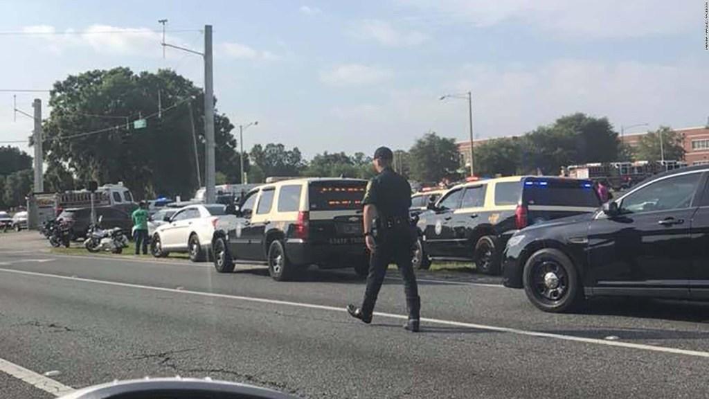 Autoridades responden a tiroteo en una escuela de Florida