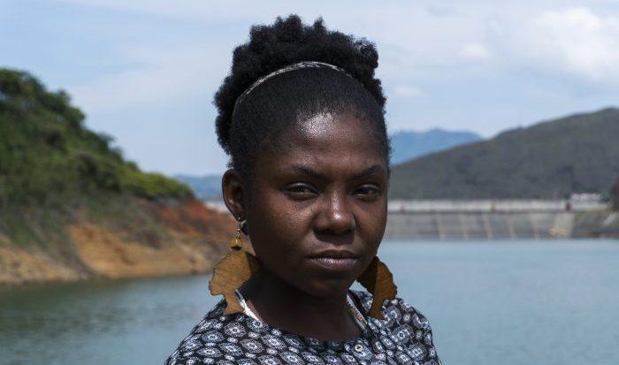 Retrato de la activista de medio ambiente afrocolombiana Francia Márquez distribuido por Goldman Prize.