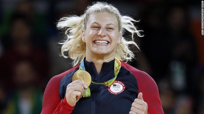 Kayla Harrison celebra su oro en los Juegos Olímpicos de Río de Janeiro 2016