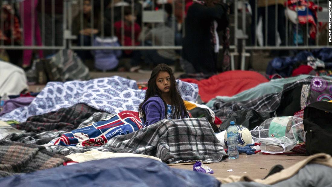 """Inmigrantes centroamericana a su paso por México para llegar a Estados Unidos en la llamada """"caravana de inmigrantes"""""""