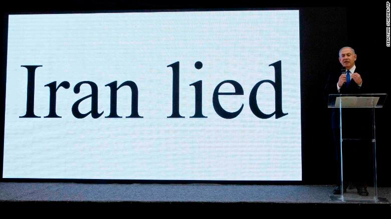 """Iran mintió"". Anuncio del primer ministro de Israel, Benjamín Netanyahu, sobre el programa nuclear de Irán. (Crédito: AP Photo/Sebastian Scheiner)"