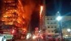 Enorme incendio derrumba un edificio en Sao Paulo