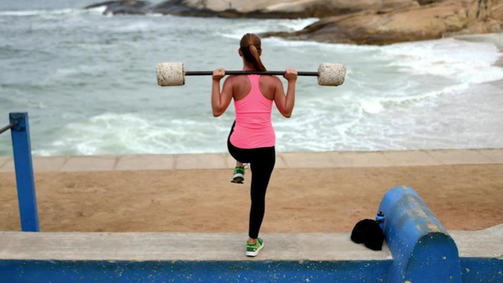 Sigue estos hábitos saludables si quieres vivir más de 80 años