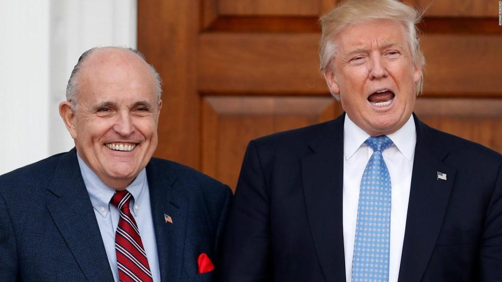 Giuliani cambia la narrativa en el caso Cohen