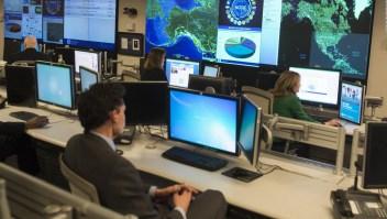 ¿Cómo se protegen los sistemas de comunicación en EE.UU.?