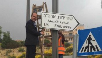 Señal de la embajada de Estados Unidos en Jerusalén