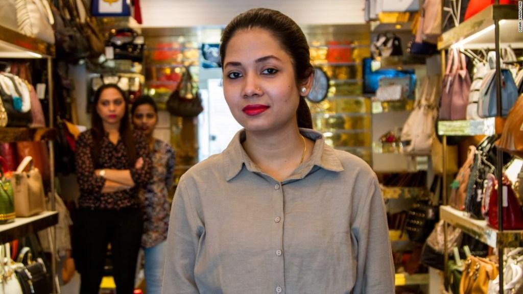 Ruksana Dilshad Ali, 25, dependienta.