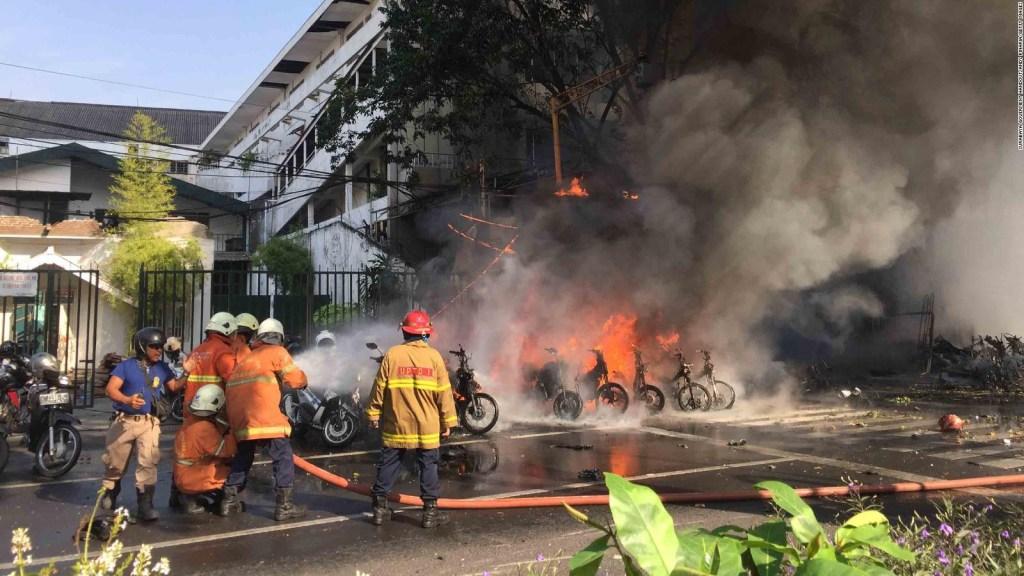 Indonesia: tres ataques en 24 horas
