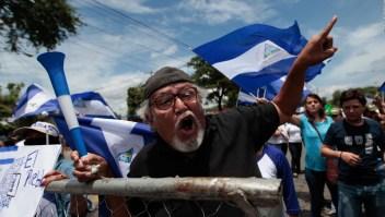 La bandera nicaragüense, todo un símbolo de las protestas