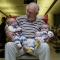 La sangre de este hombre salvó a más de 2 millones de bebés