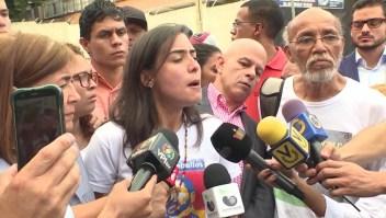 """Familiares de presos en """"El Helicoide"""" denuncian irregularidades"""