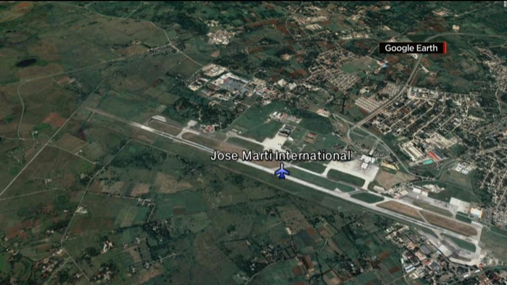 Avión cubano se estrella al despegar de La Habana