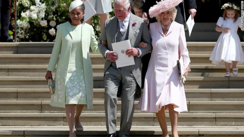 Doria Ragland, el Príncipe Carlos y su esposa Camilla, Duquesa de Cornualles después de la boda del sábado.