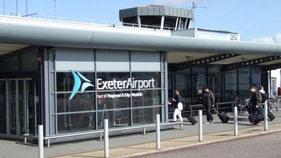 El aeropuerto más feliz del mundo: HappyOrNot, la compañía finlandesa detrás de esos terminales de satisfacción del cliente que se ven en los aeropuertos, resolvió los números el año pasado y reveló que los clientes más felices que usaban sus máquinas eran los que pasaban por Exeter Airport en el Reino Unido.