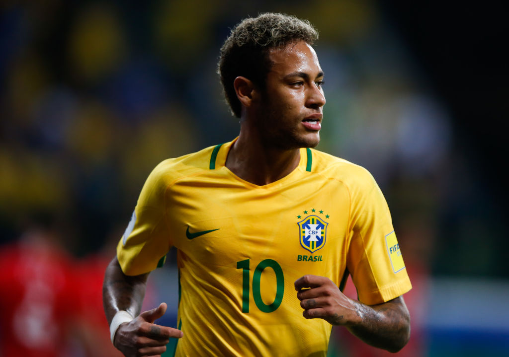 SAO PAULO, BRAZIL - OCTOBER 10: Neymar of Brazil in action during the match between Brazil and Chile for the 2018 FIFA World Cup Russia Qualifier at Allianz Parque Stadium on October 10, 2017 in Sao Paulo, Brazil. (Photo by Alexandre Schneider/Getty Images)