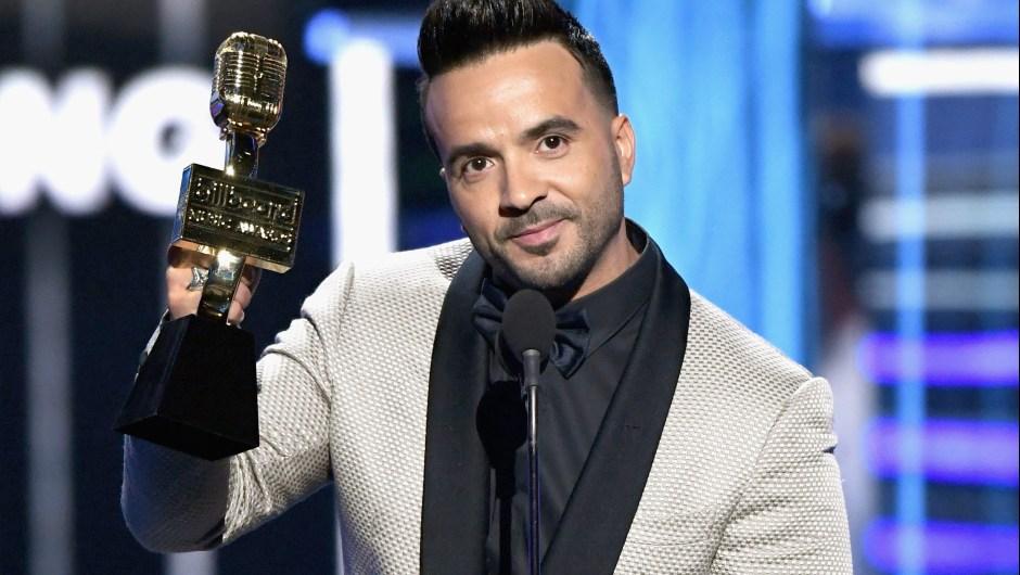 Luis Fonsi recibe uno de los premios Billboard a Despacito en Las Vegas Crédito: Ethan Miller/Getty Images)