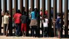 Familias dicen que son separadas en la frontera con EE.UU.
