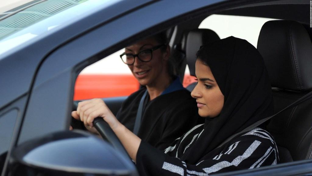 Primeras licencias de conducir para mujeres en Arabia Saudita