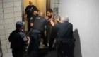 Golpiza policial causa polémica en Arizona