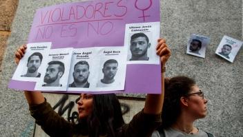 """Libertad provisional y multa para """"La Manada"""""""
