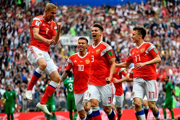 Rusia golea 5-0 a Egipto en el partido inaugural del Mundial 2018