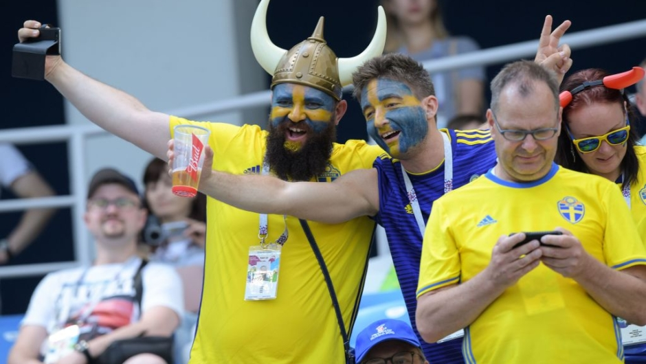 Sweden supporters cheer ahead of the Russia 2018 World Cup Group F football match between Sweden and South Korea at the Nizhny Novgorod Stadium in Nizhny Novgorod on June 18, 2018. (Photo by Martin BERNETTI / AFP) / RESTRICTED TO EDITORIAL USE - NO MOBILE PUSH ALERTS/DOWNLOADS (Photo credit should read MARTIN BERNETTI/AFP/Getty Images)