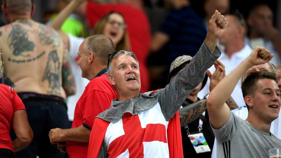 """Un """"caballero"""" inglés en los momentos previos al partido entre Inglaterra y Túnez. (Crédito: Matthias Hangst/Getty Images) Rusia 2018"""