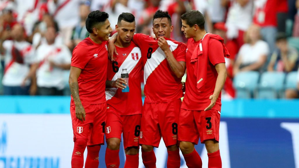SOCHI, RUSSIA - JUNE 26: Peru players react after the 2018 FIFA World Cup Russia group C match between Australia and Peru at Fisht Stadium on June 26, 2018 in Sochi, Russia. (Photo by Dean Mouhtaropoulos/Getty Images)